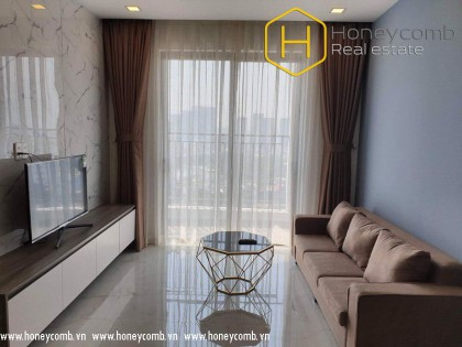 Beautiful floral decorated 2 bedrooms apartment in Wilton Tower