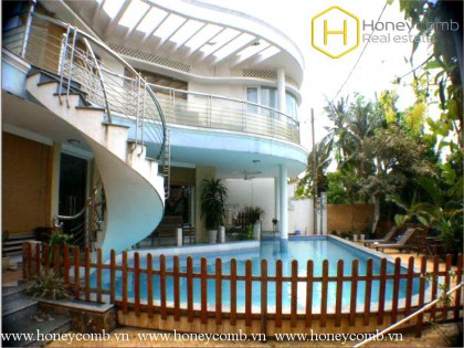 Villa Nguyen Van Huong, District 2 for rent