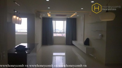 Simple furniture apartment with wonderfull river view in Tropic Garden