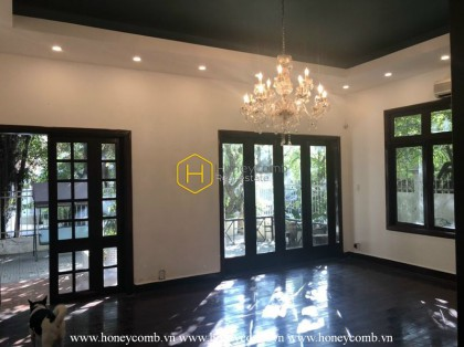 An oasis in the heart of Saigon: Rustic villa with full facilities for rent in District 2