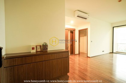 Renovate your home in this airy unfurnished apartment for rent in D ' Edge