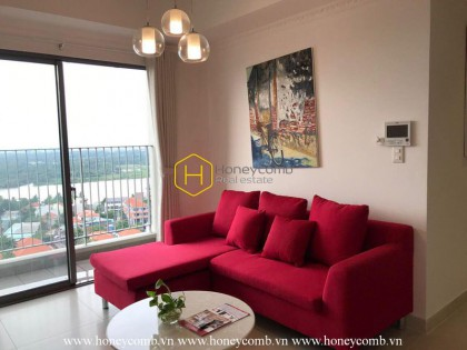 Three bedrooms apartment with red sofa in Masteri Thao Dien for rent
