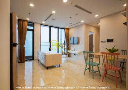 Spacious space, modern furniture - let's come to our Vinhomes Golden River apartment now
