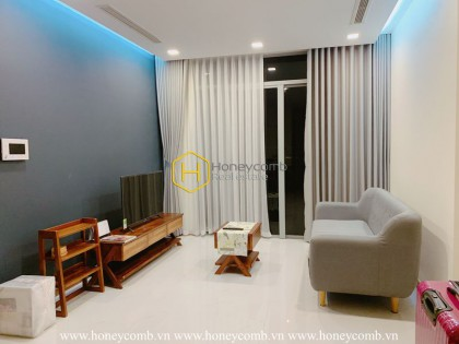 Warm vibe spreading over this Vinhomes Central Park apartment