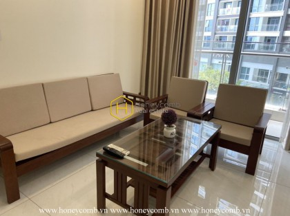 Beautifully-designed Vinhomes Central Park apartment with a range of high-end furniture