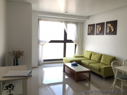 Nice 2 beds river view apartment for rent in Pearl Plaza