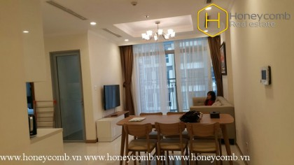 Modern Amenities with 2 bedrooms in Vinhomes Central Park for rent