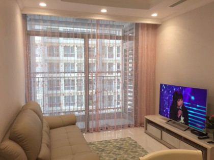 2 bedroom apratment view pool in Vinhomes Central Park for rent