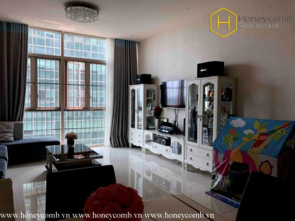 Exceptional Style with 3 bedroom apartment in The Vista for rent