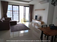 Live the urban lifestyle with this modern and luxurious apartment in The Estella Heights for rent