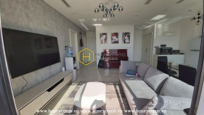 Come and get this charming apartment in Vinhomes Golden River today!