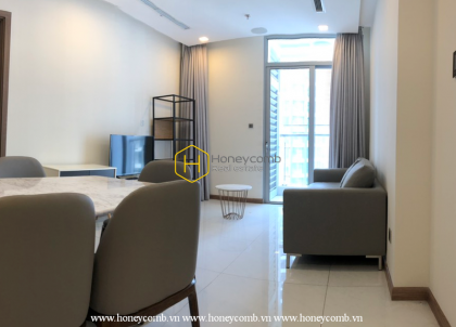 Experience all the convenience of this gorgeous apartment in Vinhomes Central Park