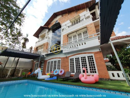 This idyllic villa will bring you a peaceful atmosphere in District 2