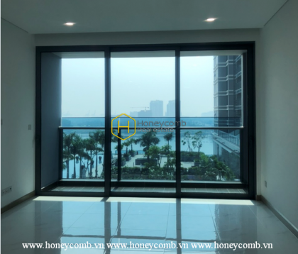 Challenge your decorating skills through this Sunwah Pearl unfurnished apartment