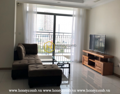 Vinhomes Central Park apartment for rent - great combination of contrast colors