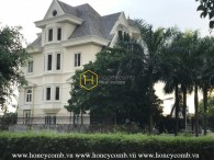 Beautiful in white with this stunning Western style villa for rent in District 2