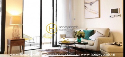 What a modern 2 bedrooms-apartment in Vinhomes Golden River