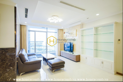 Bright and shine apartment for lease in Vinhomes Central Park
