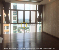 This unfurnished and new 3 bedroom-apartment for lease in The Vista