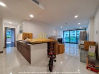 Experience a new wave of life in this dazzling sky garden apartment at Sunwah Pearl