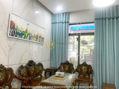 Let the art speak through the design and architecture of this District 2 villa