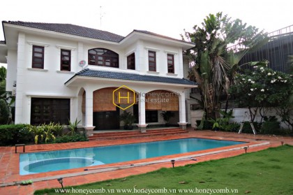 You will be impressed by the gorgeousity of this neoclassical villa in District 2