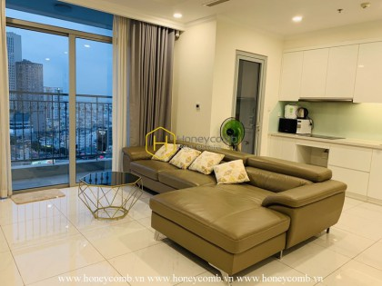 Vinhomes Central Park apartment- a great living space for your chill time