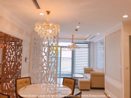 Airy and sun-filled apartment with full amenities for rent in Vinhomes Central Park