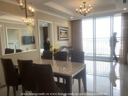 Feel the warmth and sophistication in this rustic apartment for rent in Vinhomes Central Park