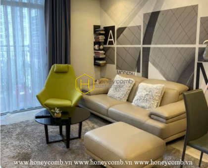 The tranquility of this Vinhomes Central Park apartment gives sense of peace in your heart