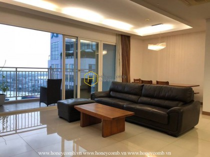 Enjoy a tranquil life in this rustic furnished apartment at Xi Riverview Palace