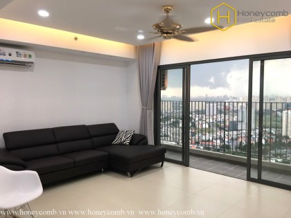 Three beds apartment high floor in Masteri for rent