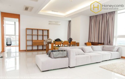 Luxury 3 beds apartment for rent in Xi Riverview