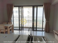 This gorgeous apartment in Masteri An Phu provides a spacious & cozy living space