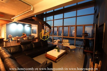 Splendid architect-designed duplex for rent in The Vista