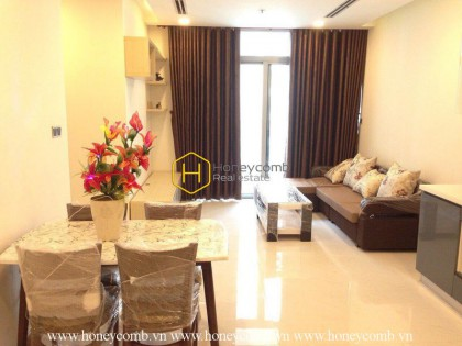 This convenient apartment in Vinhomes Central Park has the best location & view you can get