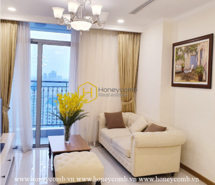 Highly elegant living space and airy view in Vinhomes Central Park apartment