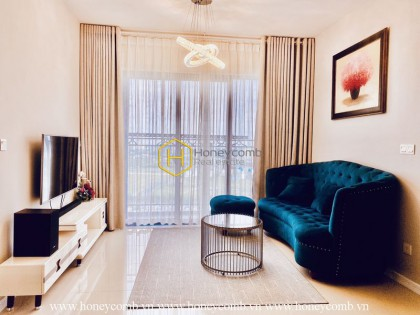 Everything within your scope of this stylish apartment in Palm Heights