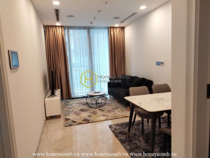 Gorgeous 1-bedroom apartment with reasonable price in Vinhomes Golden River