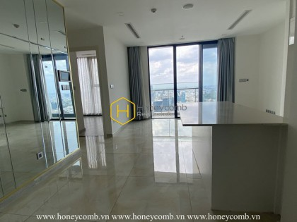Roomy apartment with prime location for rent in Vinhomes Golden River