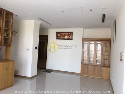 A spacious 3-bedroom apartment in Vinhomes Central Park : Best choice ever!