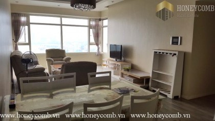 Three bedroom apartment with city view in Sai Gon Pearl for rent