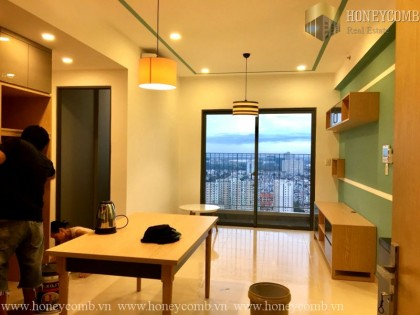 One bedroom apartment with balcony and high floor for rent in Masteri
