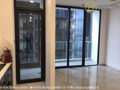 The unfurnished 2 bedrooms apartment but nice view in Vinhomes Golden River