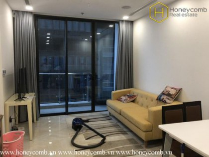 This 2 bedrooms-apartment is suitable for making officetel in Vinhomes Golden River
