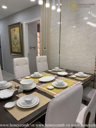 This 3 bedrooms apartment will give you the warmth and comfort in Vinhomes Golden River