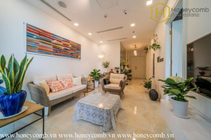 The 2 bedrooms-apartment with Tropical style is so fresh in Vinhomes Golden River