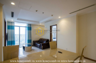 Simple and modern style apartment for rent in Vinhomes
