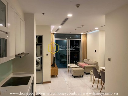 Everything you need for a simple life is right in this amazing apartment! Now for rent in Vinhomes Central Park