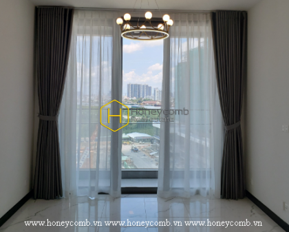 Spacious and airy apartment is waiting for you to decorate in Empire City